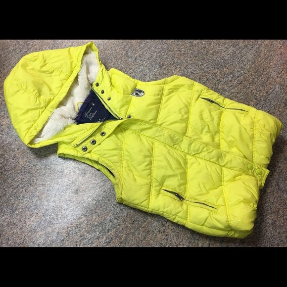 American Eagle Outfitters Jackets & Blazers - American Eagle yellow hooded outdoor vest sz s